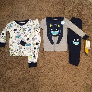 Pajama set from carter's size 12 months